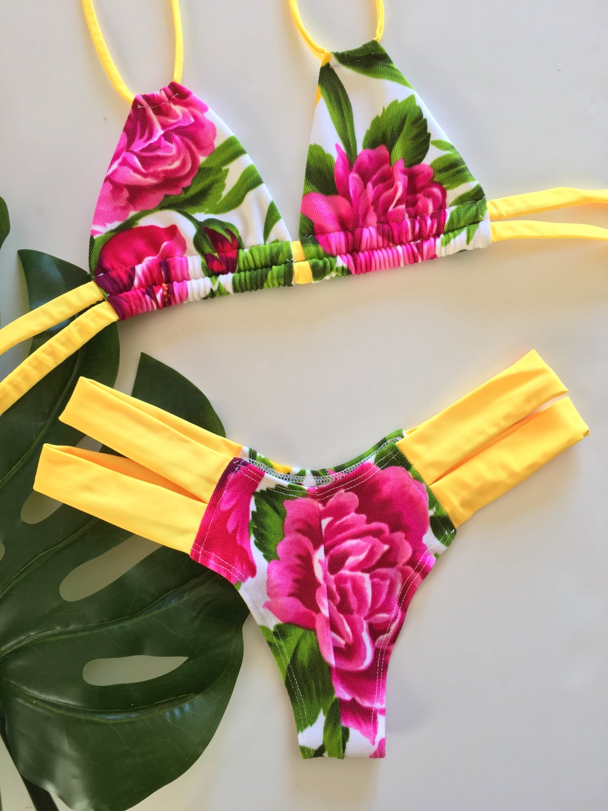 Image of Skin collection Rose Hawaii with Canary Yellow