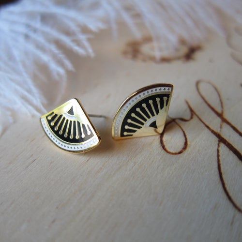 Image of Vamp earrings
