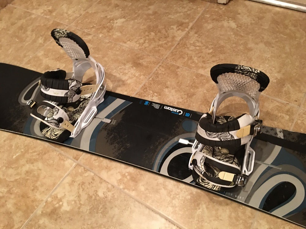 Image of Burton Custom 152cm Snowboard with Burton EST lrg bindings