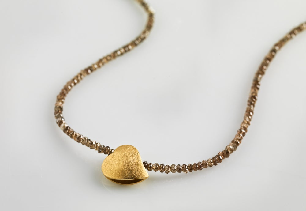Image of 'Je te donne mon cœur' diamond necklace - collier met diamant en geel goud hartje