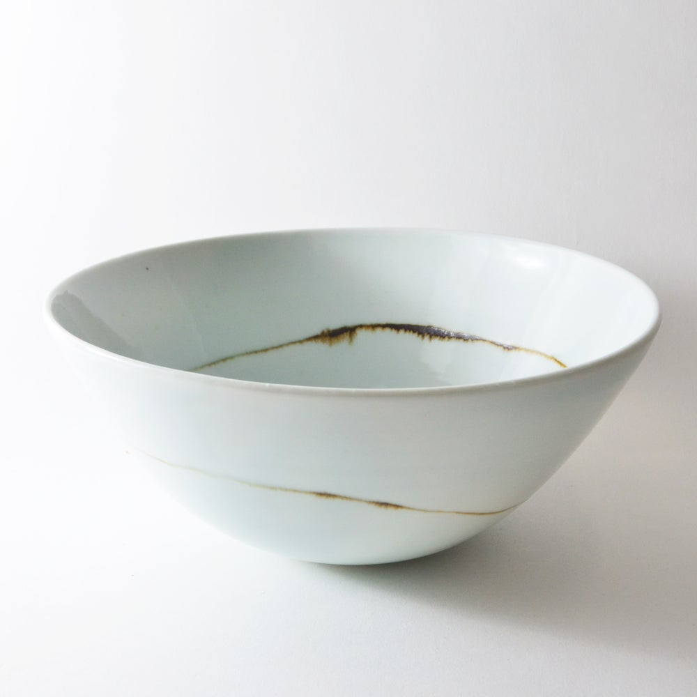Image of medium serving bowl