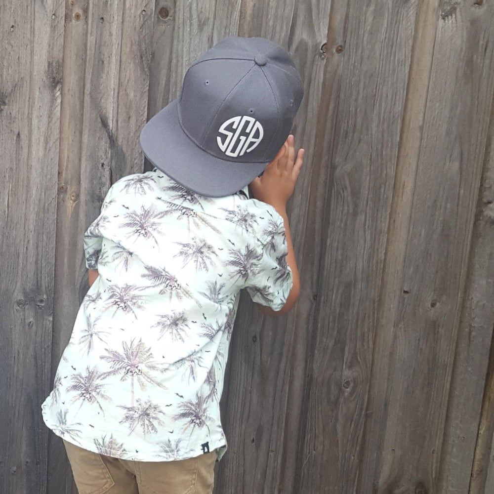 Image of CHARCOAL - LIGHT GREY SNAPBACKS