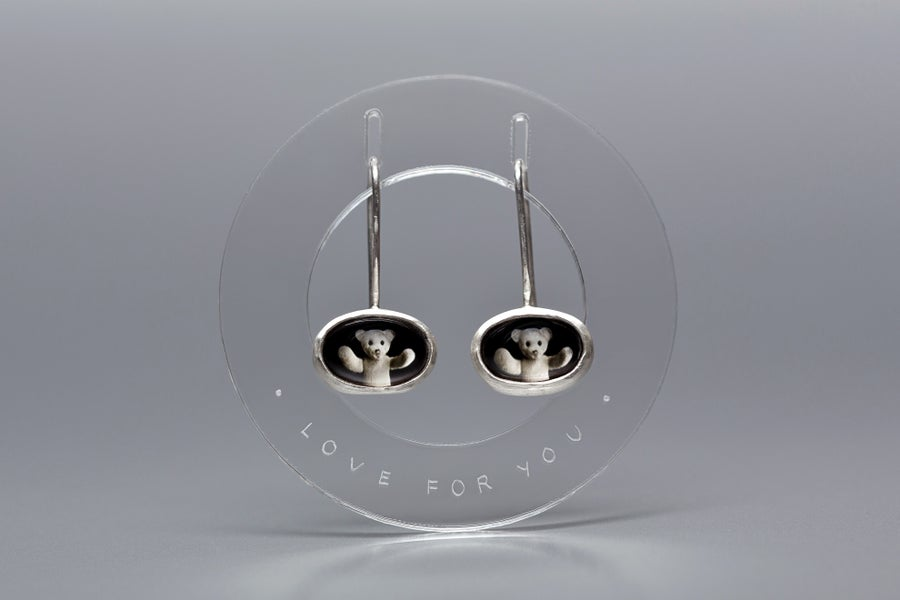 "Image of ""Love for you"" teddy-bear silver earrings with photos, rock crystal  · CURA TUA ·"