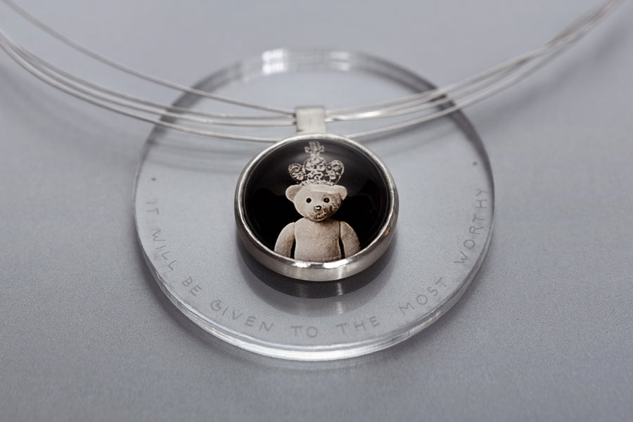 Image of teddy-bear silver pendant with photo, rock crystal DETUR DIGNIORI