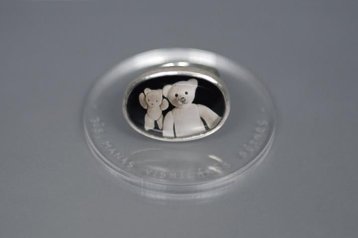 Image of teddy-bear's silver ring with photo, rock crystal VŌS, MEAE CĀRISSIMAE ANIMAE