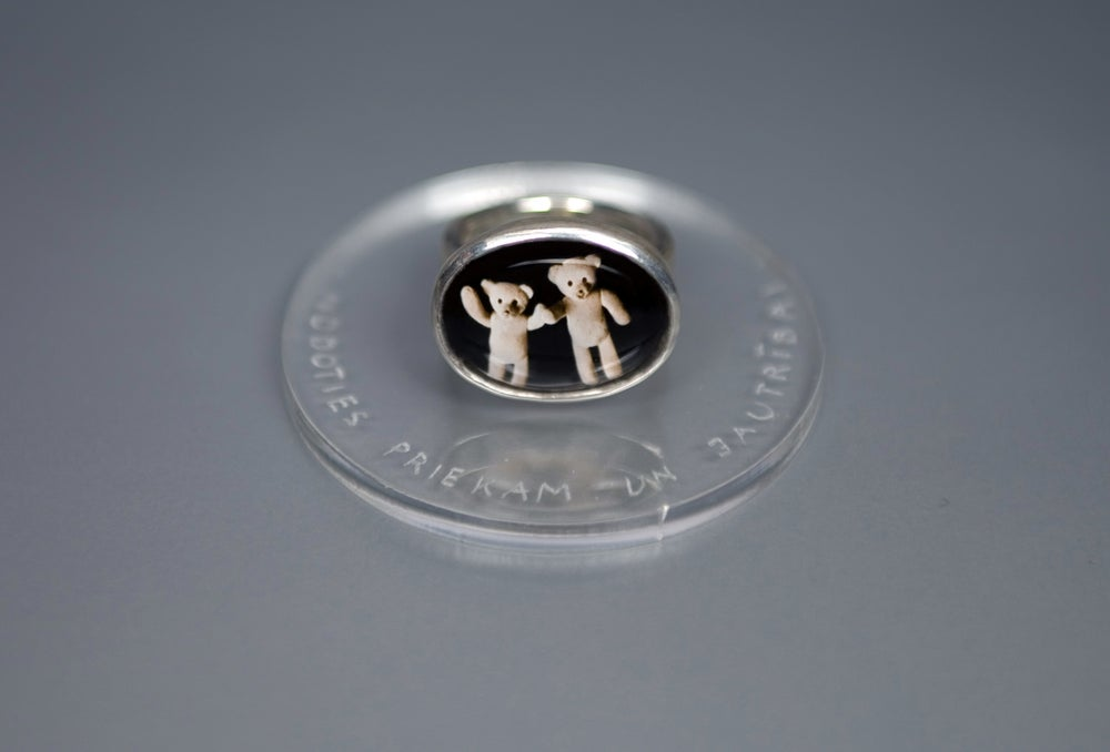 Image of teddy-bear's silver ring with photo and rock crystal GAUDIUM ATQUE LAETITIAM AGITARE