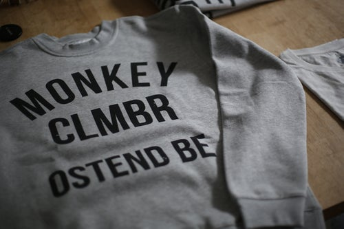 Image of Monkey Climber Ostend crewneck I Heather Grey - Olive