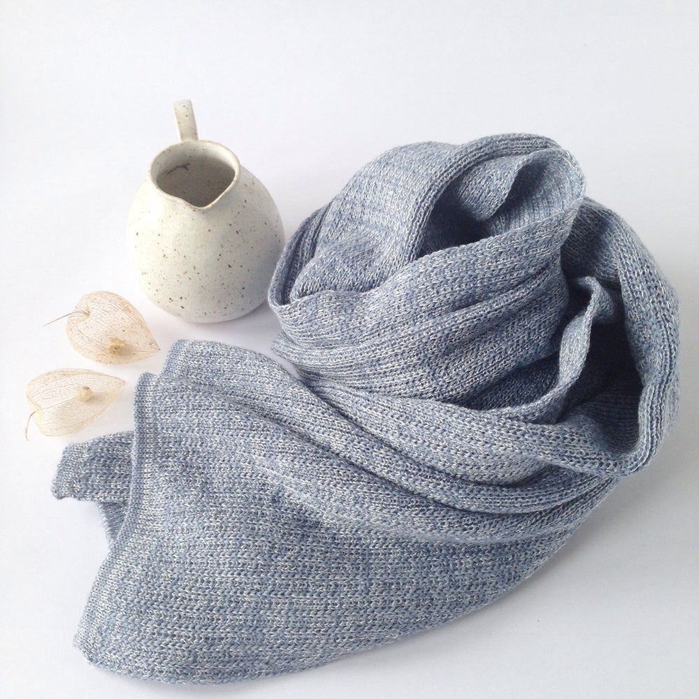 Image of Wooden Stribes Scarf // Dusty blue