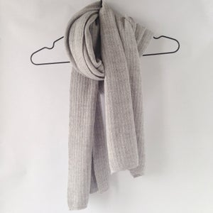 Image of Wooden Stribes Scarf // Light grey