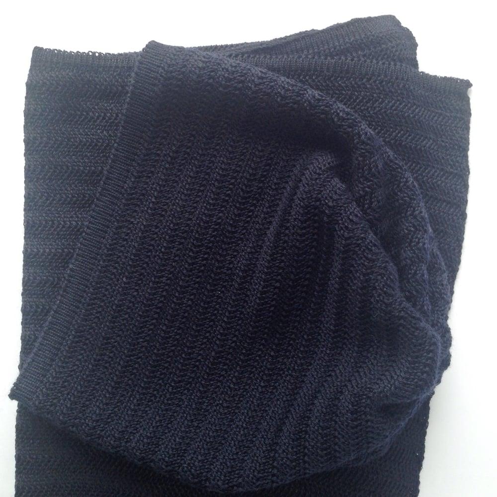 c9f2bae673700 thehandmakerline — Fishbone Pattern Hat    Dark blue
