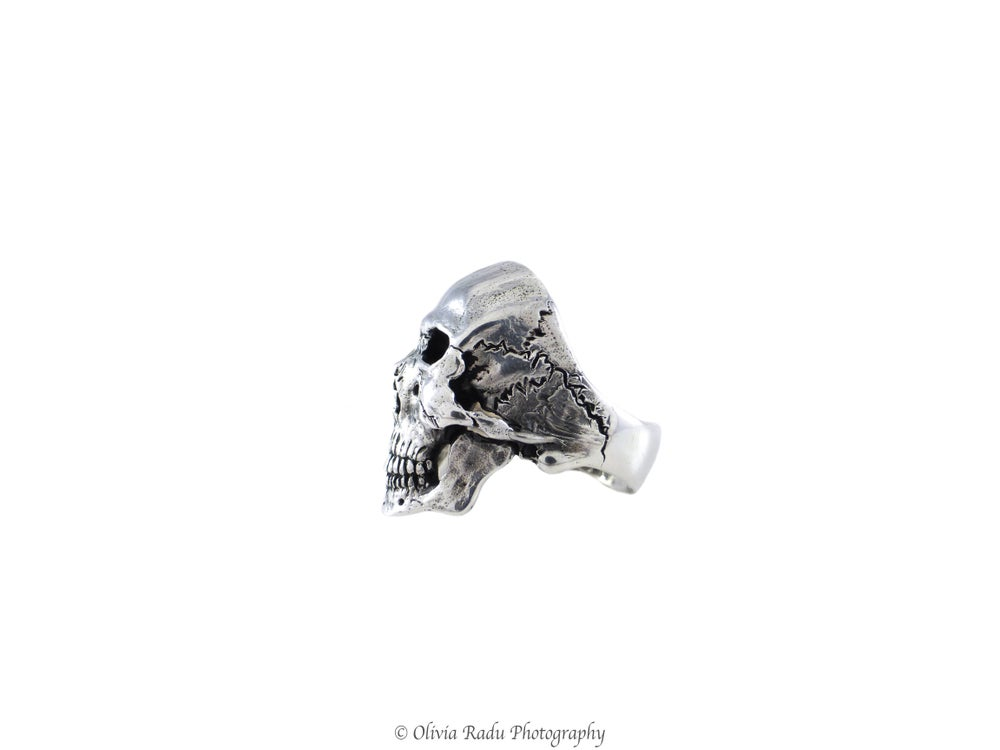 Image of Skull ring