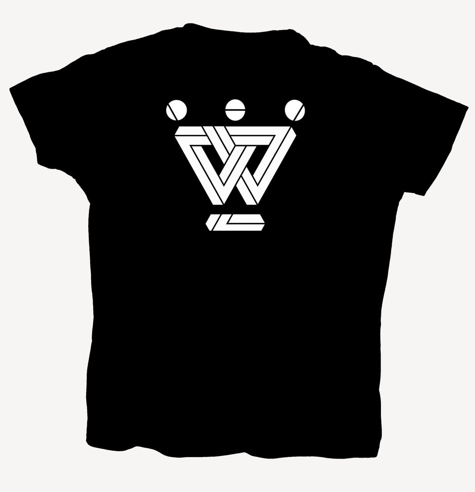 "Image of T-Shirt ""W - geometric"" - handprinted with love"