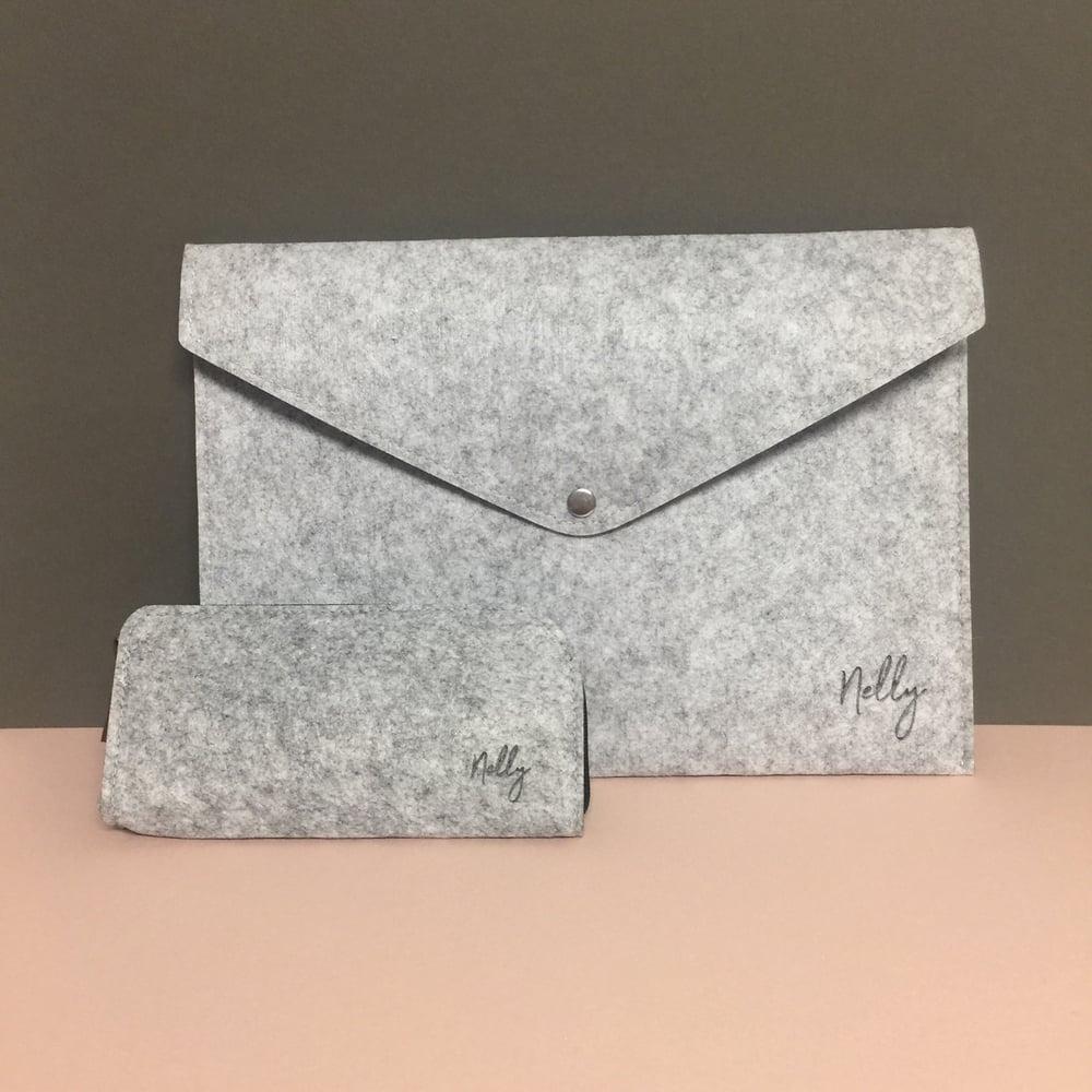 Image of Felt envelope clutch / document holder