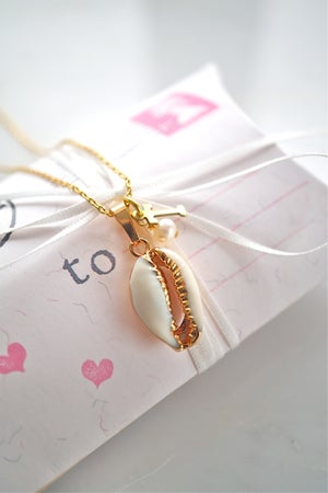 Image of Cowrie shell necklace