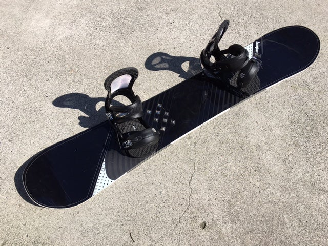 Image of Burton Vapor 157 Snowboard with lrg Burton Grip Fit B3 bindings