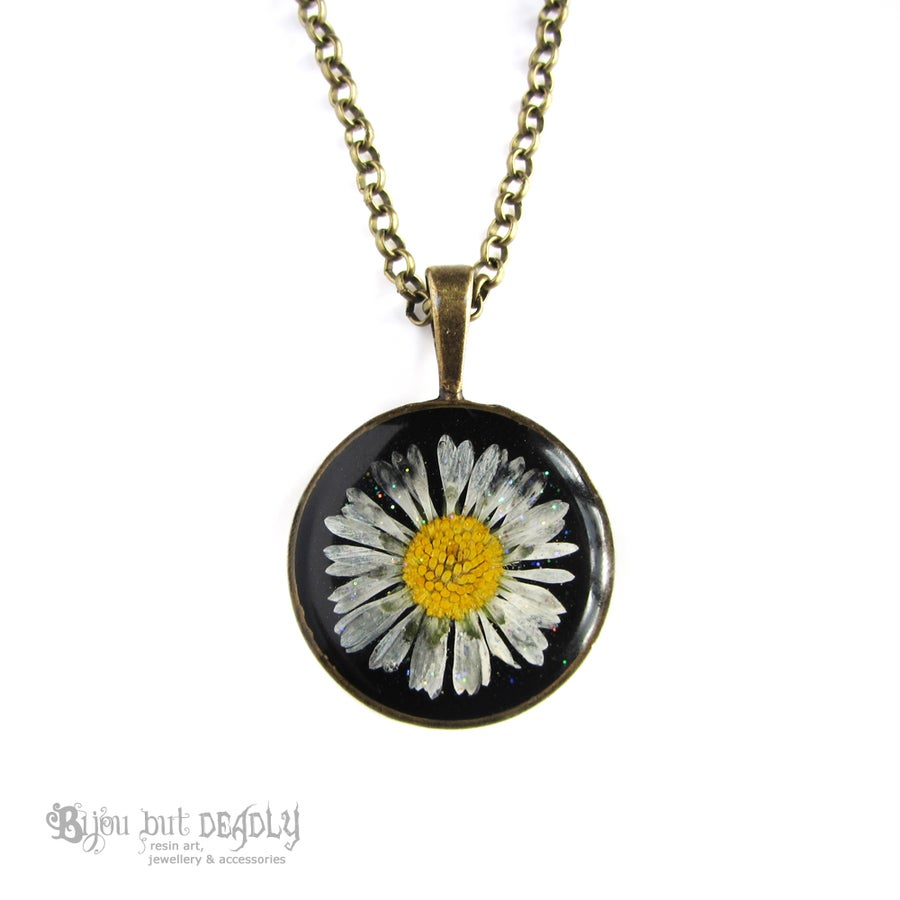 Image of Pressed Real Daisy Pendant
