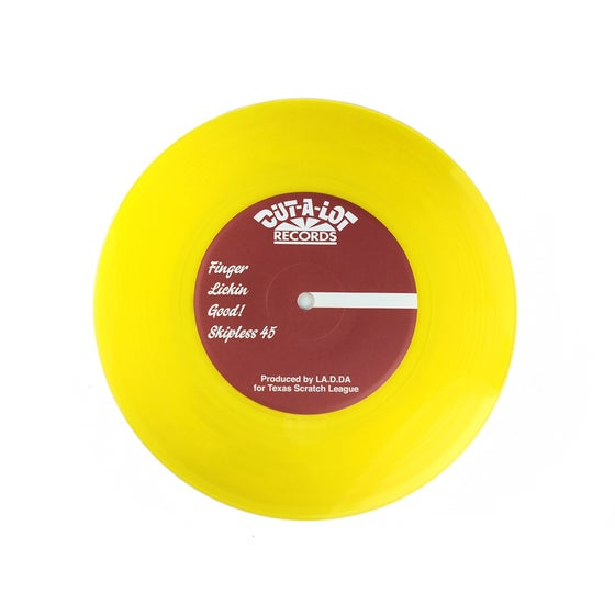 Image of D-STYLES X DJ LA.D.DA – FINGER LICKIN GOOD SKIPLESS 7″ (Yellow Transparent)
