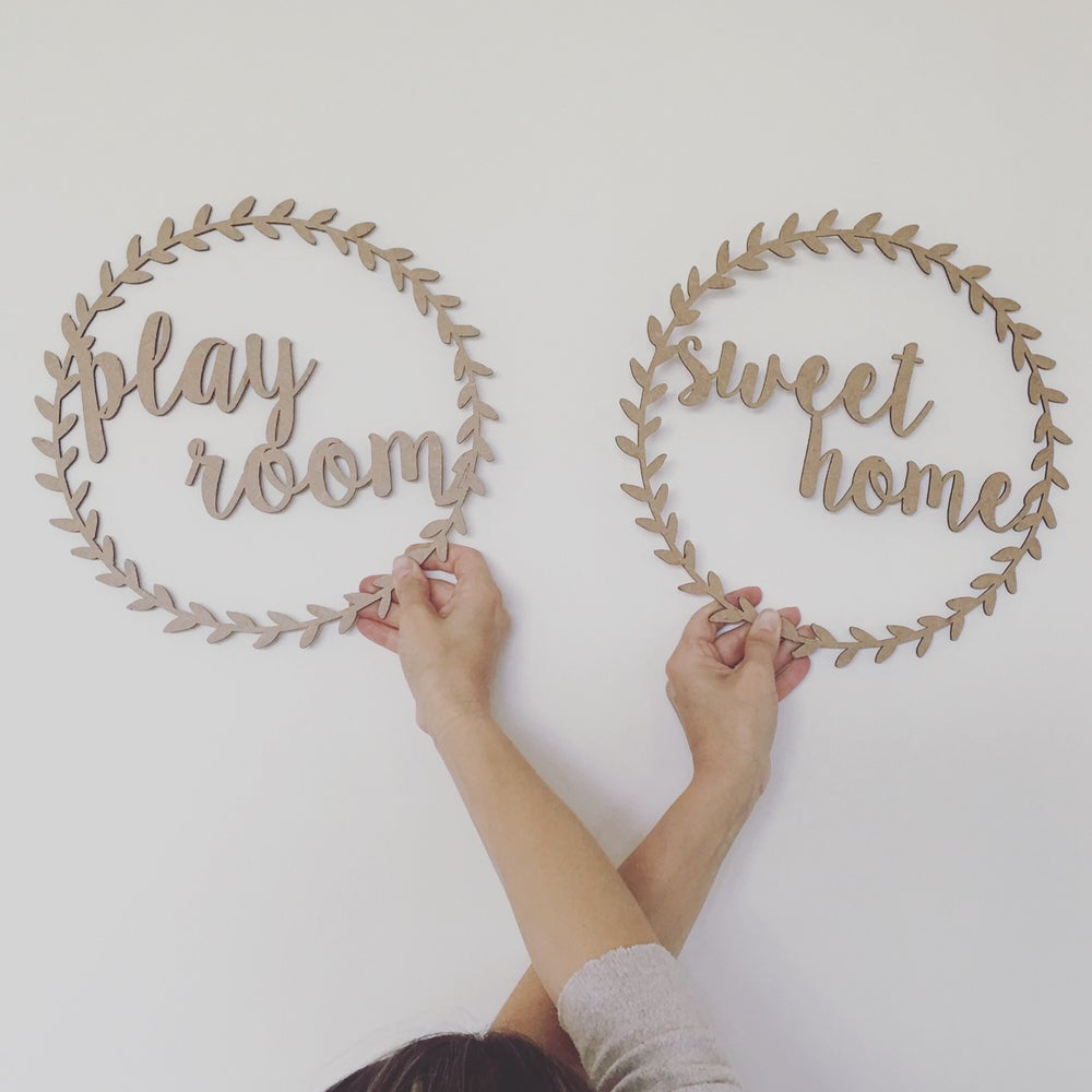 "Image of CORONA ""Sweet home"" o ""Play Room"" DE MADERA"