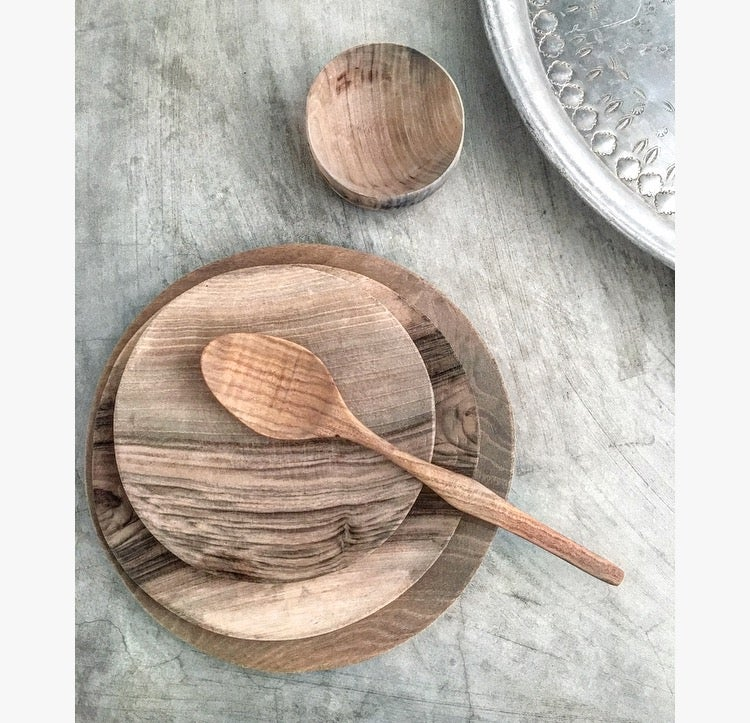 Image of WOODEN PLATE SET