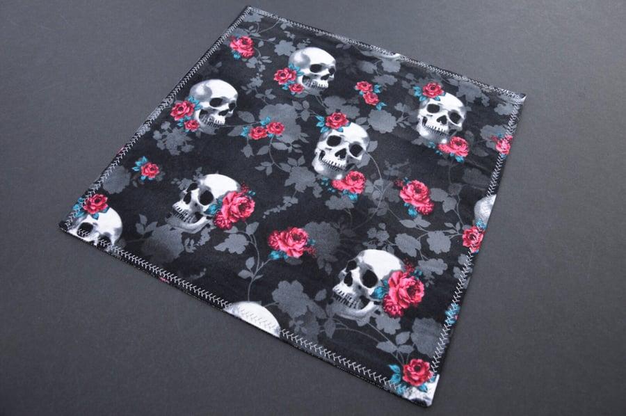 Image of Skulls N Roses