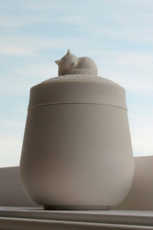 Image of Darling Ivory Pet Urn