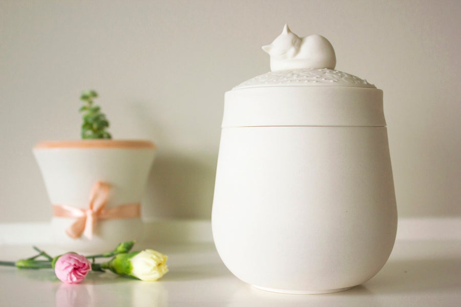 Image of Darling Ivory Pet Urn
