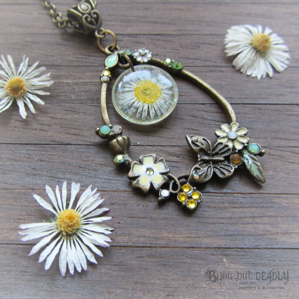 Fairy Wish Daisy Floral Necklace