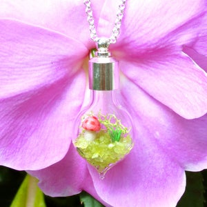 Image of Moss Terrarium on Chain Necklace, Cute Jewelry