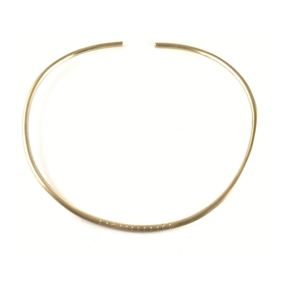 Image of Simple Lines Collar