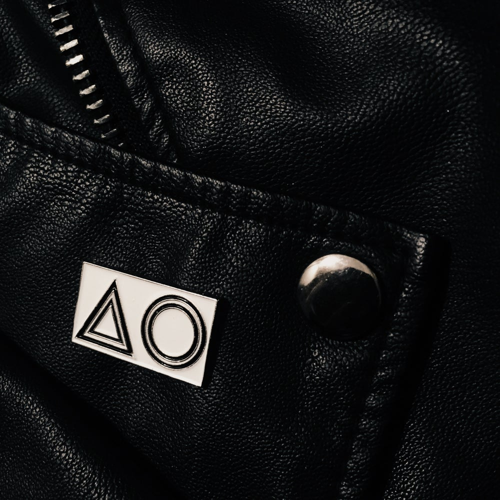 Image of ΔO INVERTED ENAMEL PIN