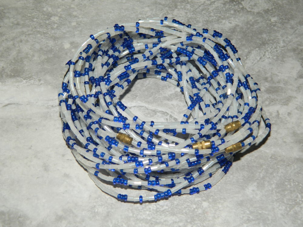 Image of White and blue glass bead