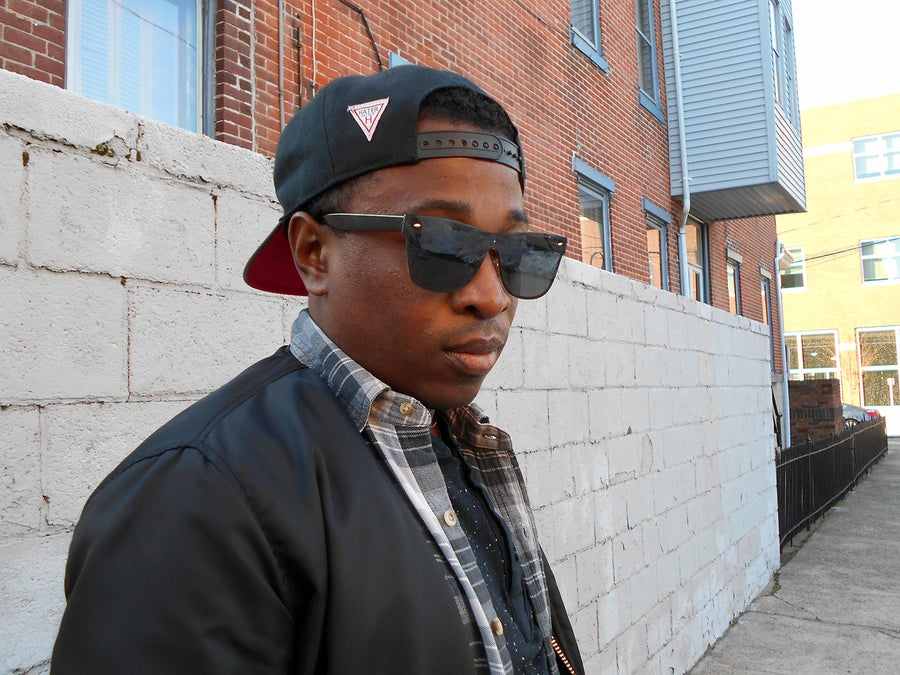 Image of DeShawn: Trendy Black Rimless Wayfarers