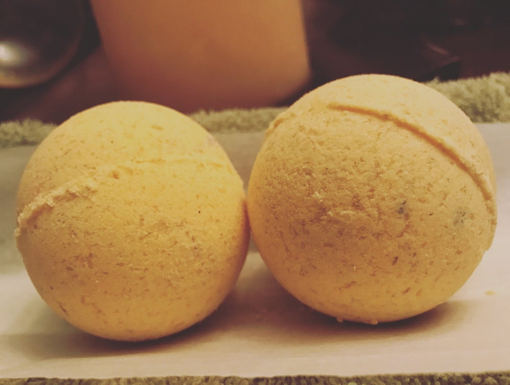 Image of Chamomile Haze Bath Bomb