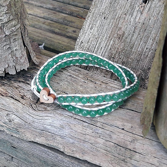 Image of Green Malaysian Jade Beads on White Leather Double Wrap Bracelet W-MJGWt-01