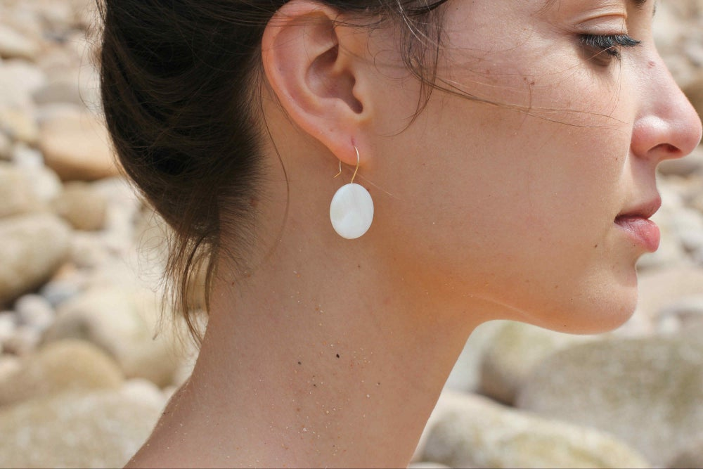 Image of Boucles petites Mother Of Pearls