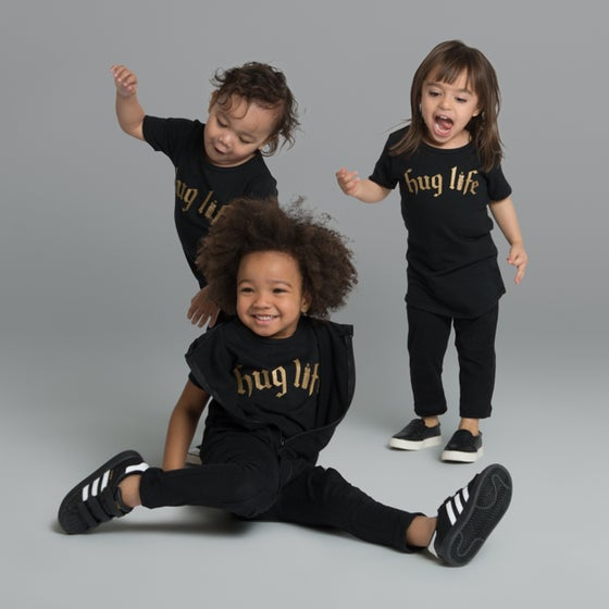 "Image of ""Hug Life"" Black T-Shirt"