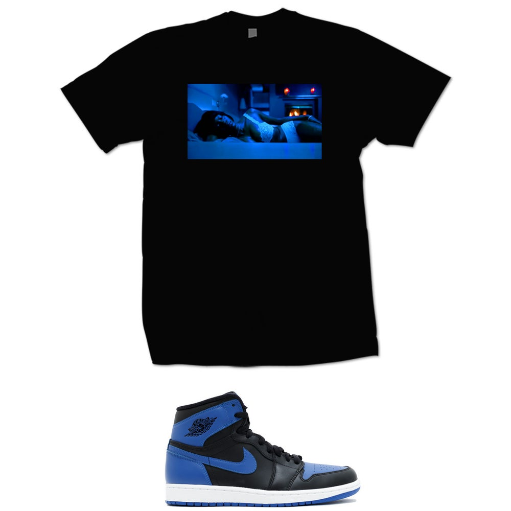 Image of KISHA BELLY RETRO 1 OG ROYAL T SHIRT - BLACK