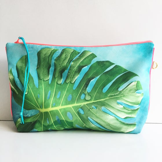Image of Monstera Pouch XL