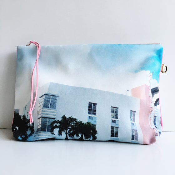Image of Tropics Hotel Pouch XL
