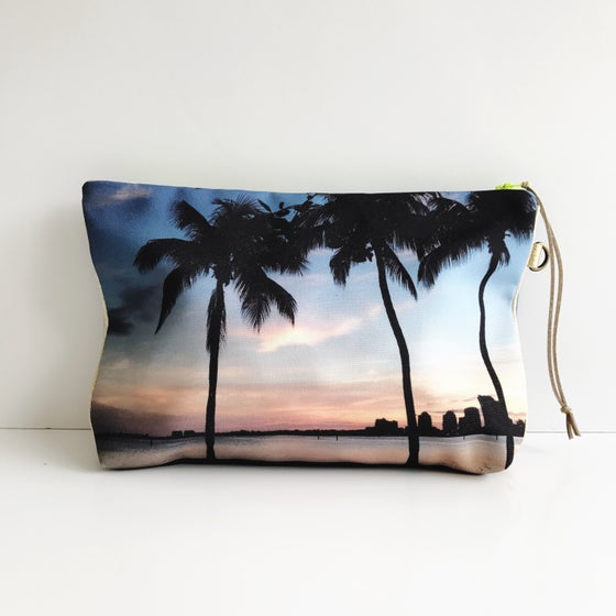 Image of Grove Isle Sunset Pouch L