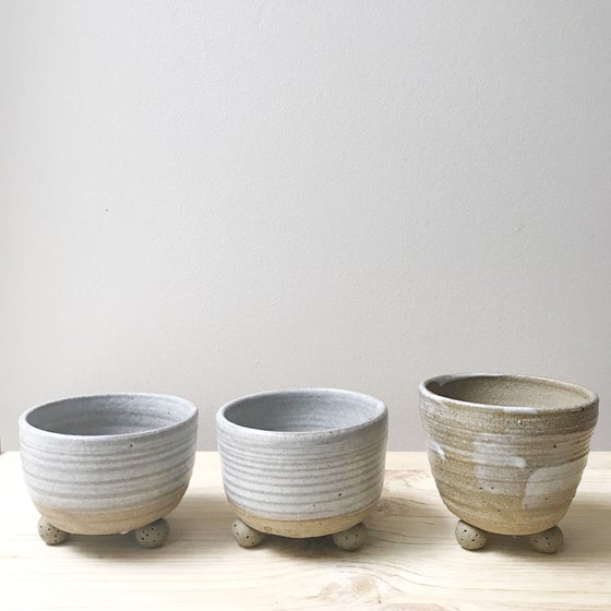 Image of Footed planter (mini)