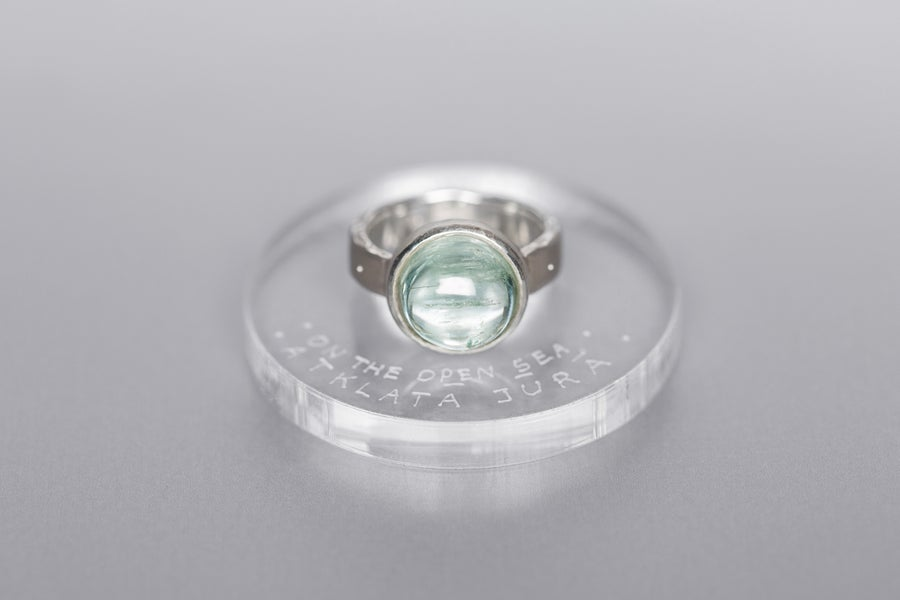 Image of silver ring with aquamarine IPSO IN MARI