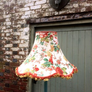 Image of  Elegant skirted Scallop Bell for standard lamp in Upperton