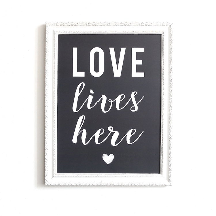 Image of AFFICHE 30X40 CM / LOVE LIVES HERE / ARDOISE