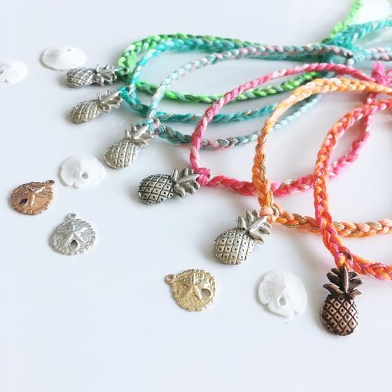 Image of Pineapple gri-gri bracelet