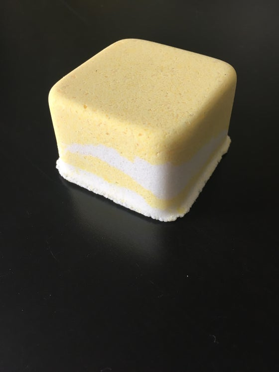 Image of Vanilla- lemon bomb