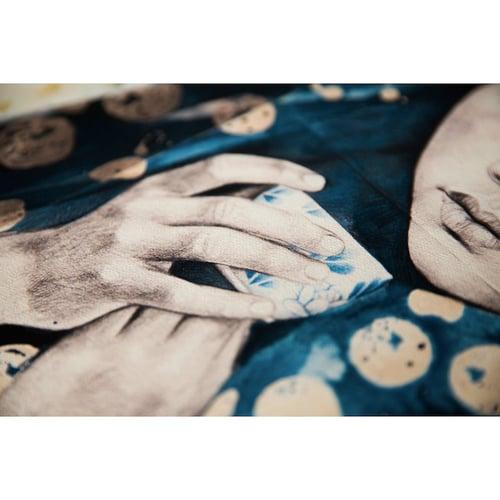 "Image of Canva Art Print - ""Voile indigo à pois"""