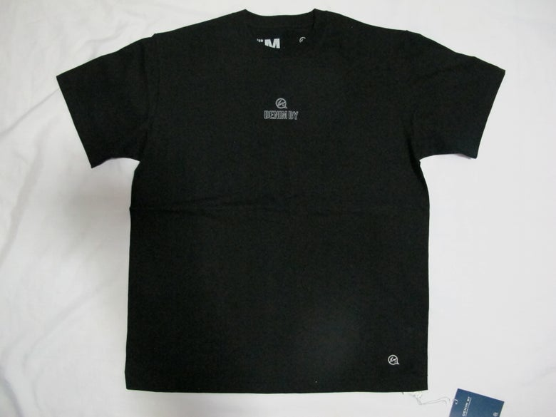 Image of Denim BY VANQUISH & FRAGMENT - Mini Chest logo Crew neck Tee (Black)