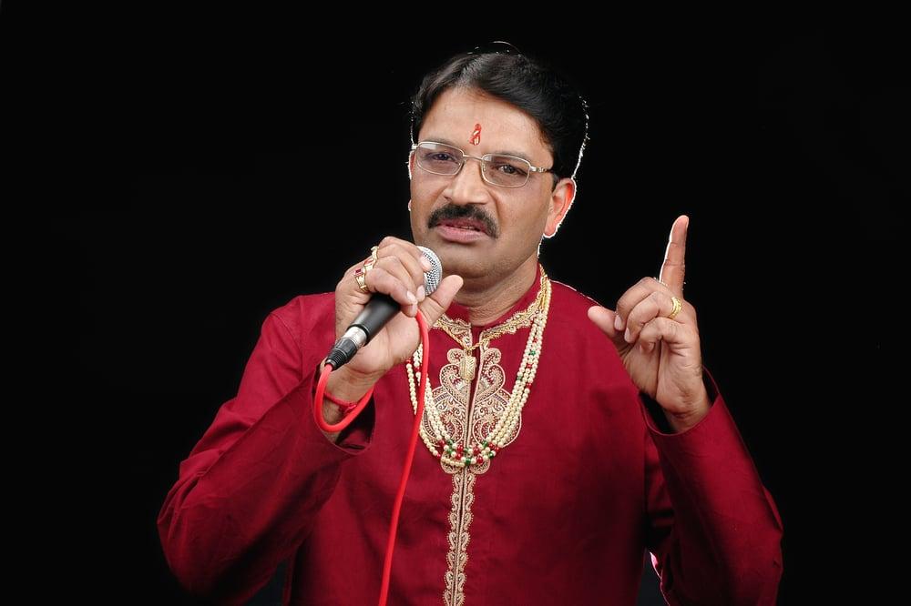 """Vajra ballalaraya (from """"saarathee"""") song download best of."""