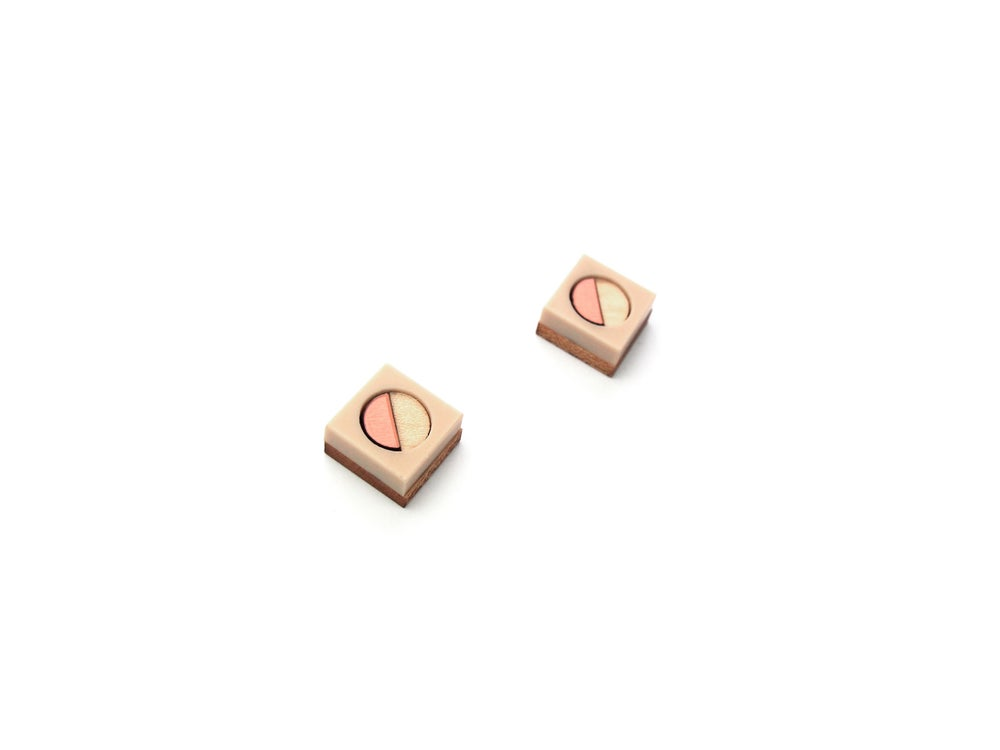Image of Frame stud earrings - Rose